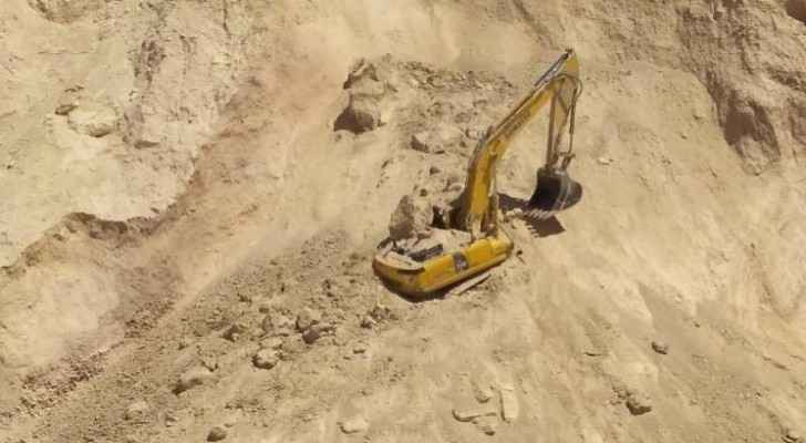 Man injured by landslide in Zarqa