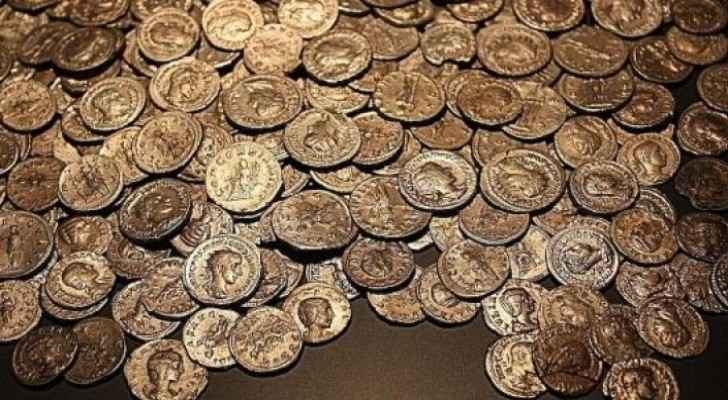 Historical coins worth thousands of dinars returned to owner in Karak