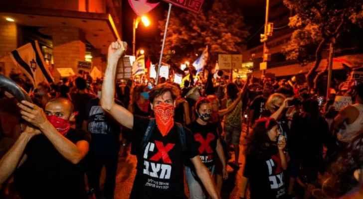 Thousands demand Netanyahu's resignation