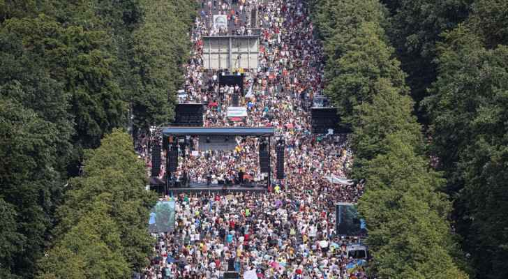 Demonstrations against coronavirus restrictions take place in Berlin
