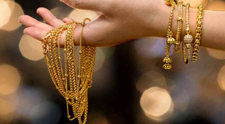 Gold in Jordan stabilize at high price