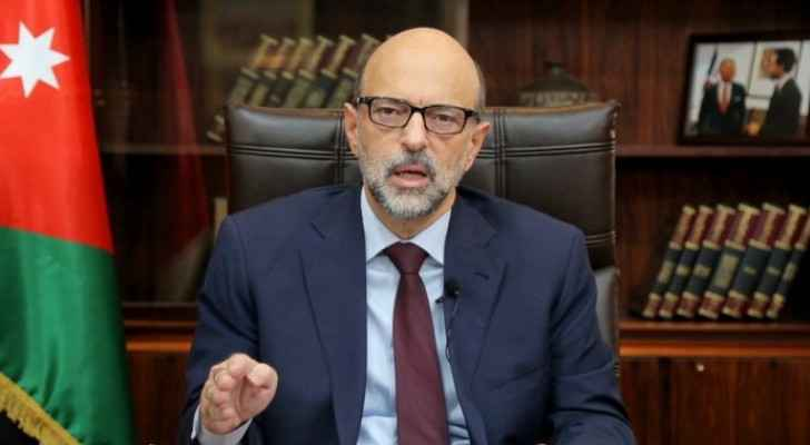 Razzaz: Continuously increasing COVID-19 cases could lead to shutdowns