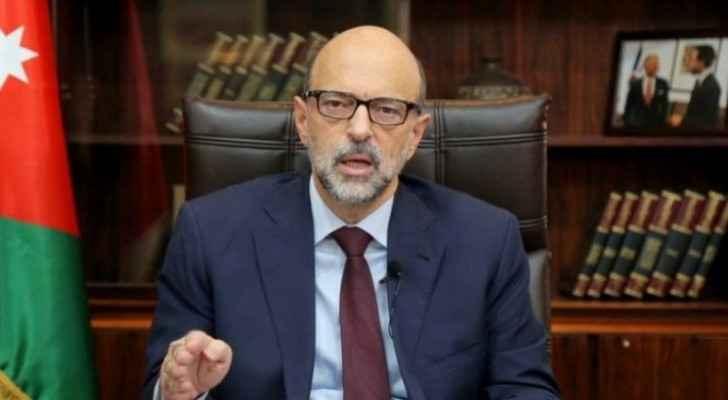 Razzaz: Jordan will not resort to total lockdown