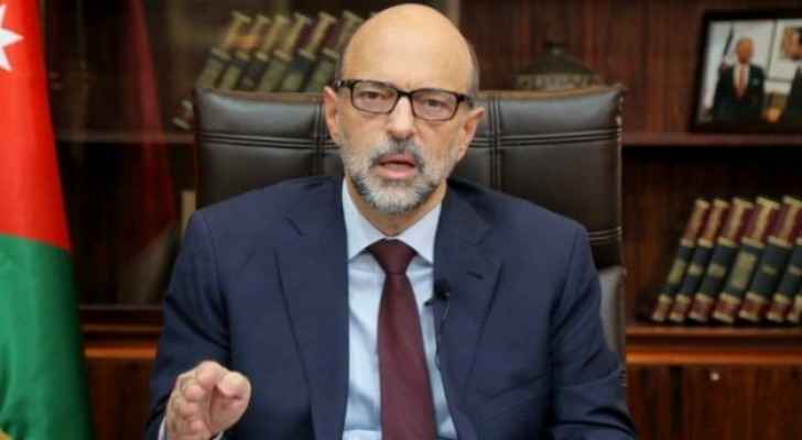 Razzaz: Government decides to apply home-quarantine for COVID-19 patients under age of 18