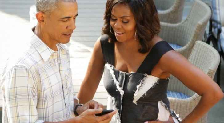 Obama shares phone number