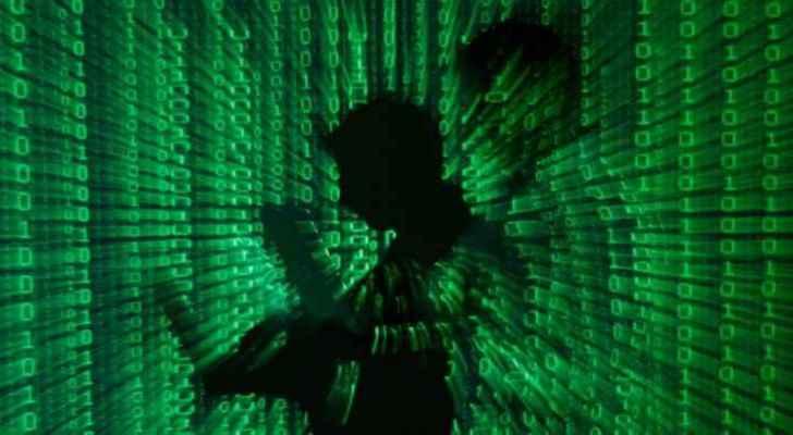 Hackers briefly breach Trump campaign website