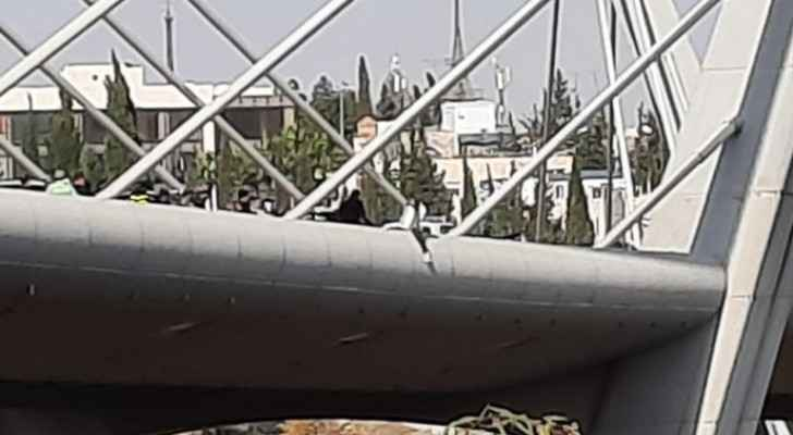 Police stop woman from committing suicide in Amman