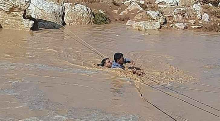 Civil Defense rescues two people from drowning in Zarqa