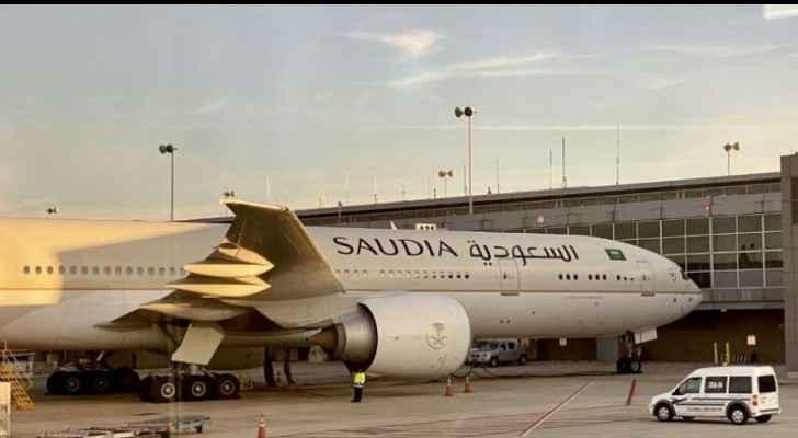 Saudi Arabia extends suspension of worldwide flights by a week