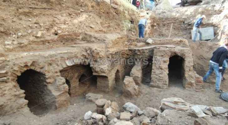 Government suspends water pumping project in Downtown Amman after discovery of archeological remains