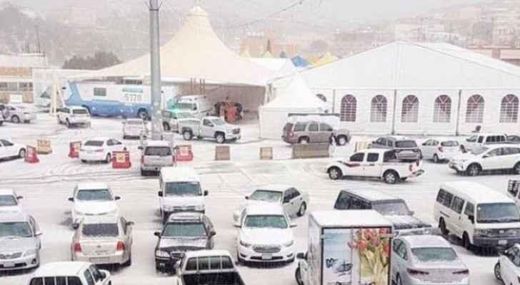 Saudi sees rare snowfall in Billasmar