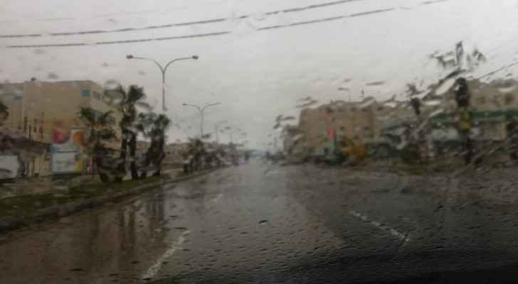 Cold weather, intervals of rain continue in Jordan