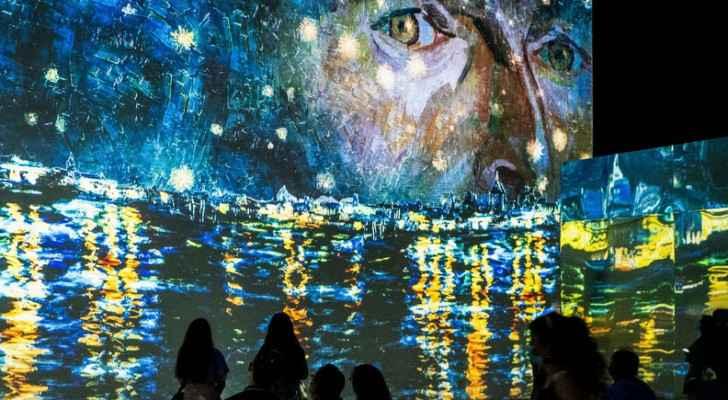 Interactive Van Gogh exhibit makes debut in Chicago