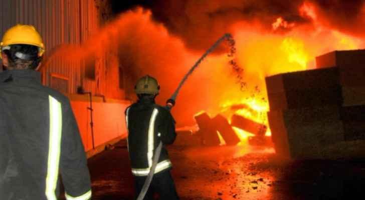 Civil defense teams extinguish fire in sponge warehouse in Amman
