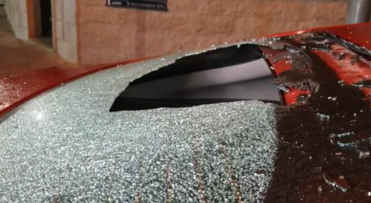 Young women vandalize several vehicles in Irbid