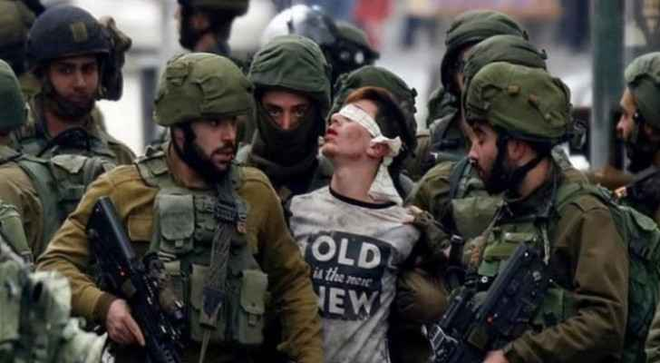 IOF arrests 23 Palestinians in West Bank
