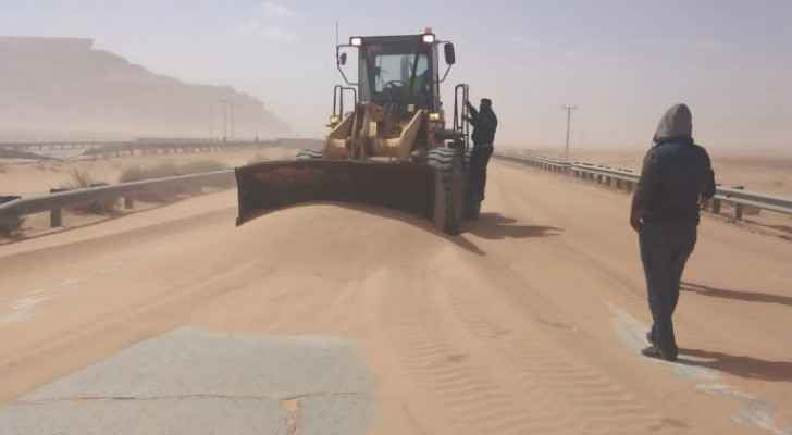 Public Works and Housing Ministry clears out blocked highways