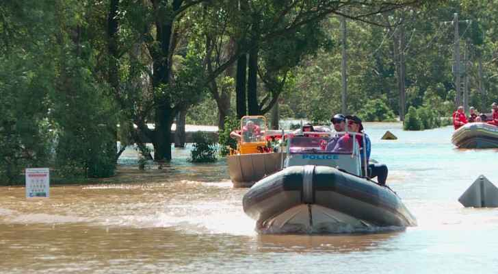 VIDEO: Emergency crews transport supplies to Australians isolated by floods