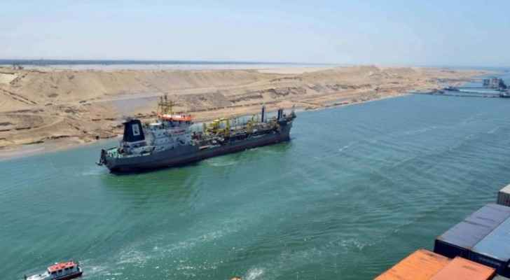Oil tanker slows marine traffic in Suez Canal