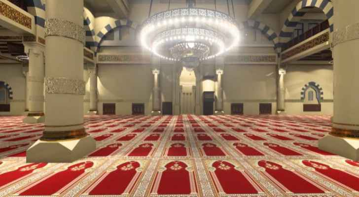 Seven people arrested for performing Taraweeh prayers in mosque in Balqa