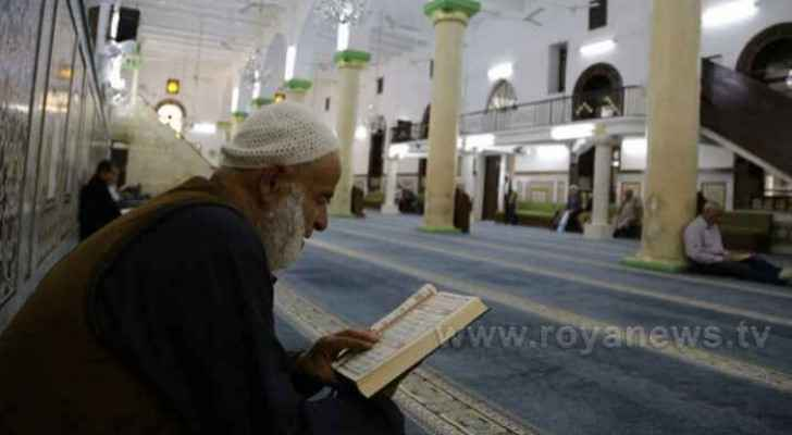 Awqaf Ministry prepares plan in case government allows Tarawih prayer in mosques
