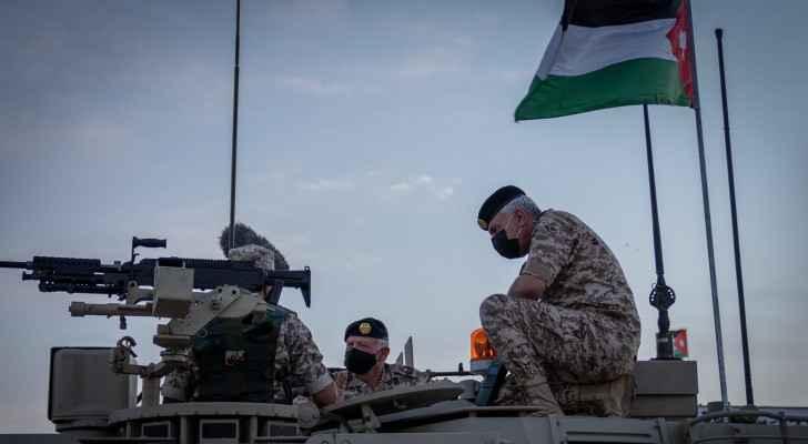 King Abdullah II inspects Centauro tank at third Royal Tank Battalion