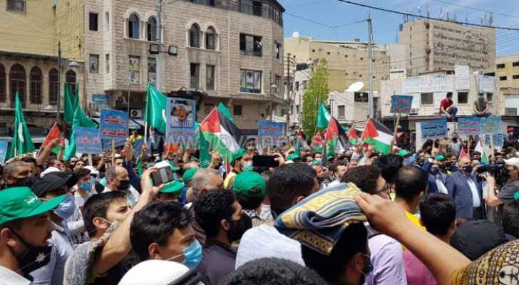 Thousands of Jordanians demonstrate in support of Palestinians in Sheikh Jarrah neighborhood