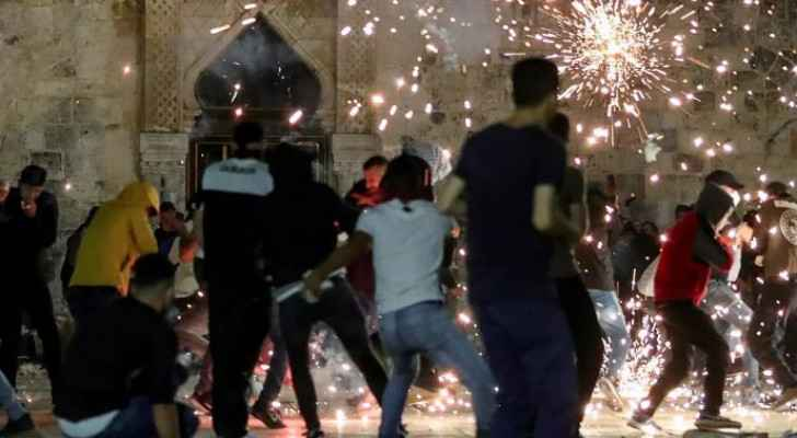 Father, four children injured during clashes with IOF: Palestinian Red Crescent
