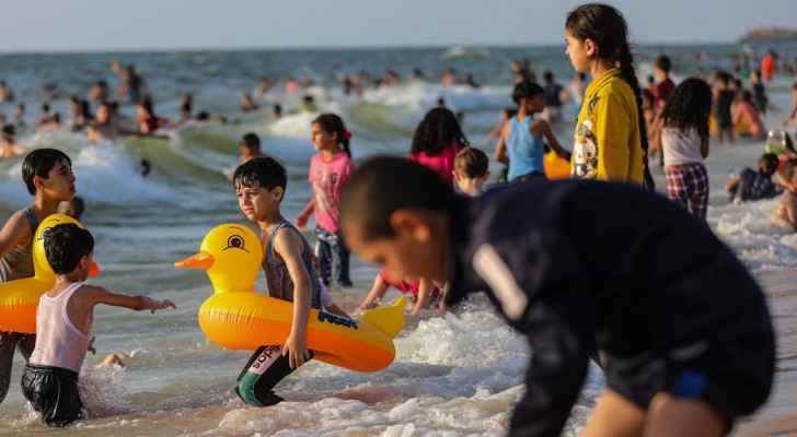 IMAGES: Life returns to the shores of Gaza after 11 days of Israeli Occupation aggression
