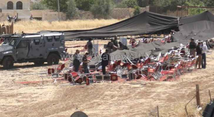 Security forces demolish tent for supporters  of MP Ajarmeh