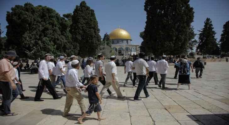 Dozens of settlers storm Al Aqsa