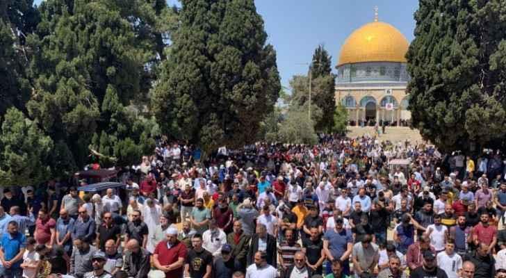 Nearly 40,000 Palestinians perform Friday Prayer at Al-Aqsa Mosque