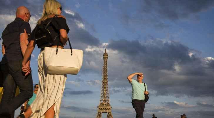 France cancels outdoor mask mandate