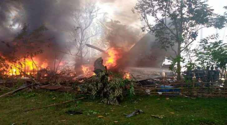 UPDATE: At least 29 dead in military plane crash in Philippines