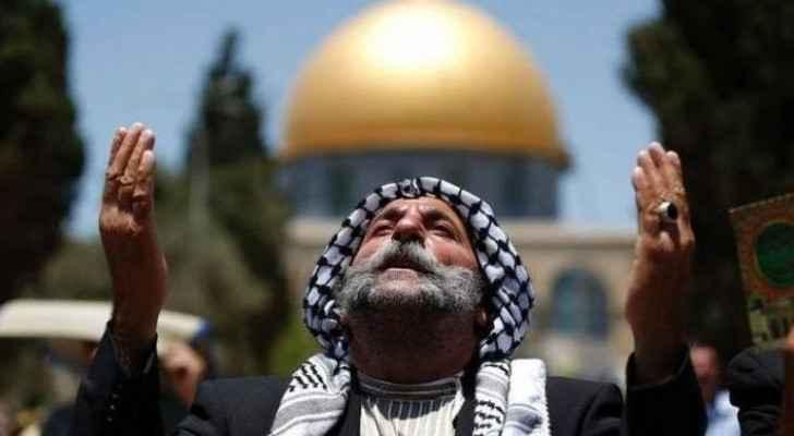 Around 35,000 Palestinians perform Friday prayer at Al-Aqsa Mosque