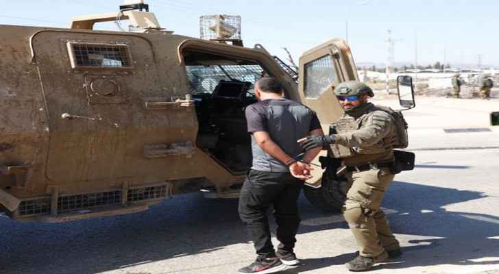Israeli Occupation arrests seven Palestinians, including a father and three of his sons