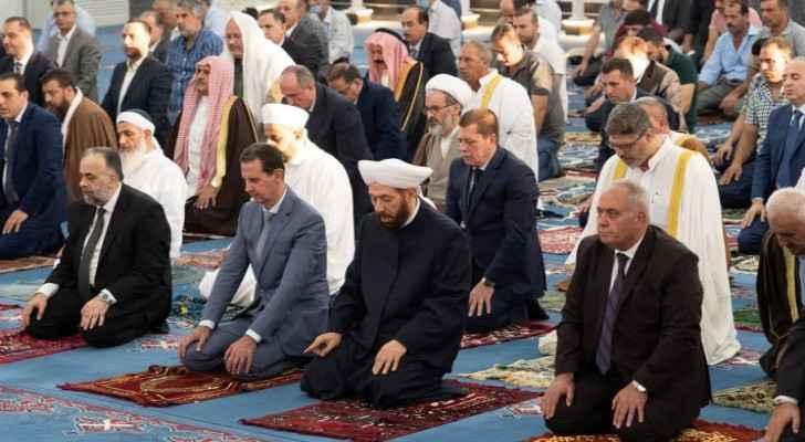 Assad performs Eid al-Adha prayers in Homs