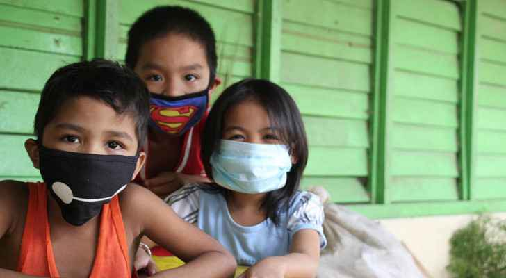 Philippines orders children back into lockdown as COVID-19 cases surge