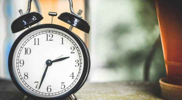 Government changes date of switching to daylight saving time