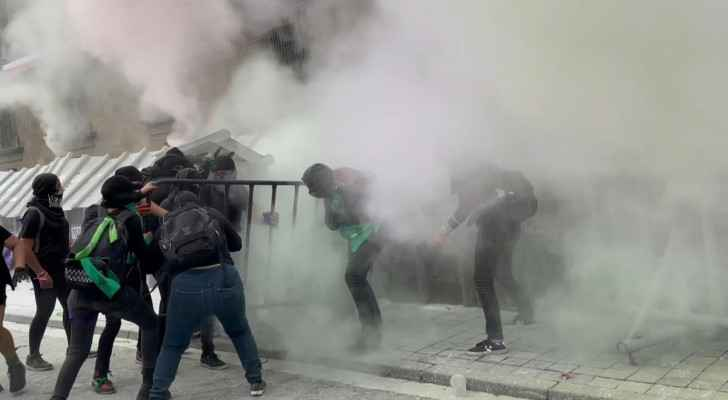 Radical Feminists Injure 37 People in Violent Pro-Abortion Protests