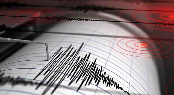 Magnitude 5.5 earthquake hits Iran